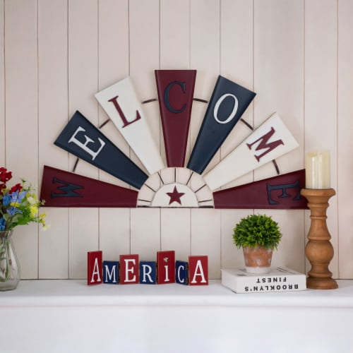 Glitzhome Patriotic Welcome Metal Spinner Wall Sign Perspective: top