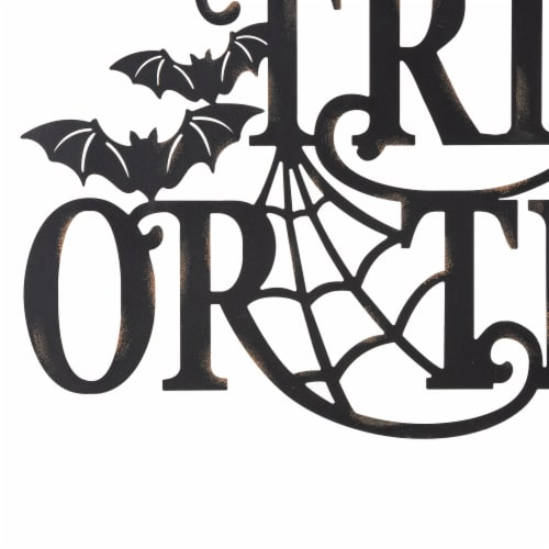 Glitzhome Metal Trick or Treat Wall Sign Perspective: top