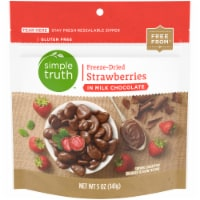 Simple Truth Freeze-Dried Strawberries in Milk Chocolate - 5 oz
