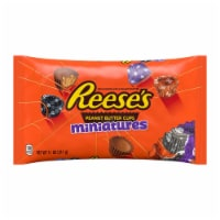 REESE'S Halloween Milk Chocolate Peanut Butter Cup Miniatures Candy With Spooky Foils