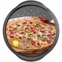 Wilton Perfect Results Nonstick Pizza Crisper