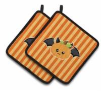 Carolines Treasures  BB6959PTHD Halloween Pumpkin Bat Pair of Pot Holders - Standard