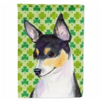 Carolines Treasures  SS4449-FLAG-PARENT Chihuahua St. Patrick's Day Shamrock Por