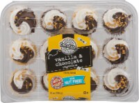 Two-Bite Graduation Vanilla & Chocolate Cupcakes
