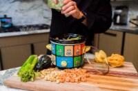 Uncanny Brands Minions 2 Quart Slow Cooker- Kitchen Appliance - 1 unit