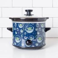 Uncanny Brands Star Wars The Mandalorian 2-Quart Slow Cooker- Kitchen Appliance-Baby Yoda - 1 unit