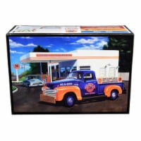AMT AMT1076 76 in. Chevrolet 3100 Pickup Truck Union 2 in 1 Kit 1 by 25 Scale & Skill 2 Model