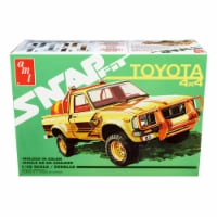 AMT AMT1114M Skill 1 Snap Model Kit Toyota Hilux 4 x 4 in. Pickup Truck 1 by 25 Scale Model