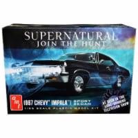 AMT AMT1124 Skill 2 Model 1967 Chevrolet Impala Sport Sedan Supernatural 2005 TV Series Kit f