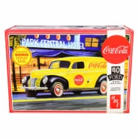 AMT AMT1161 Skill 3 Model Kit 1940 Ford Sedan Delivery Van Coca-Cola with Display Base 1 by 2