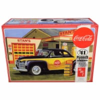 Skill 3 Model Kit 1941 Plymouth Coupe with 4 Bottle Crates \Coca-Cola\ 1/25 Scale Model - 1