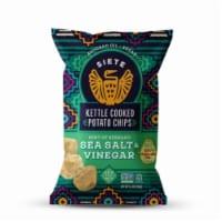 Siete Hint of Serrano Sea Salt & Vinegar Kettle Cooked Potato Chips - 5.5 oz