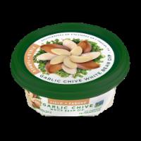Field & Farmer Garlic Chive White Bean Dip