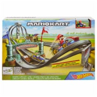 Mattel Hot Wheels® Mario Kart Circuit Lite Track Set
